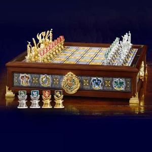 exklusive geschenke quidditch schachspiel. Black Bedroom Furniture Sets. Home Design Ideas